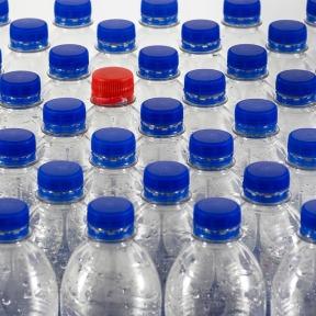 bottles-4251473_960_720